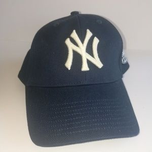 3e201894d6e92e Twin Enterprises Accessories | Ny Yankees Hat | Poshmark
